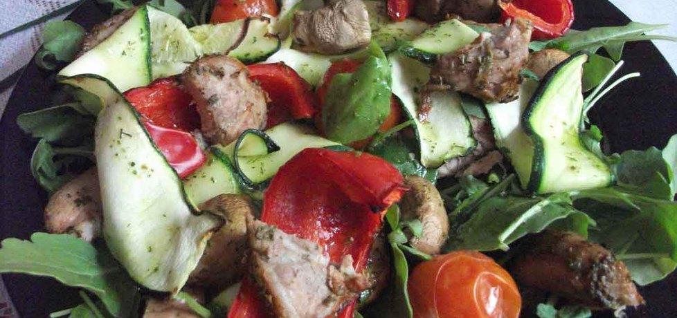 Sałatka z grillowanych warzyw i polędwiczki (autor: adelajda ...