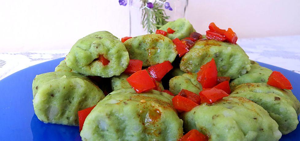 Zielone kopytka z duszoną papryką (autor: koral)