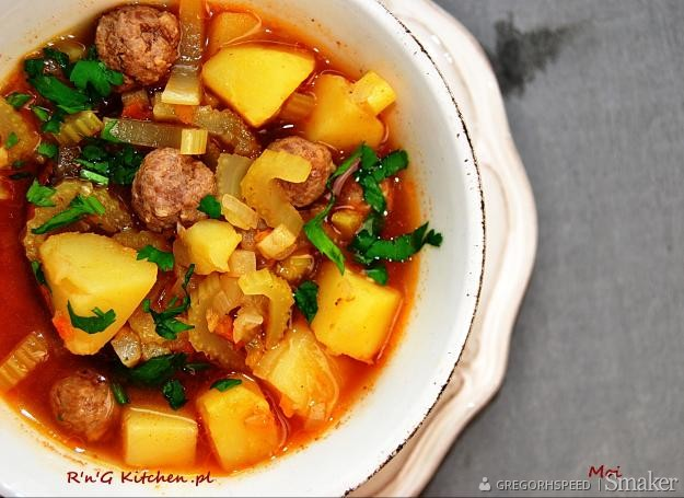 Zupa z selera naciowego