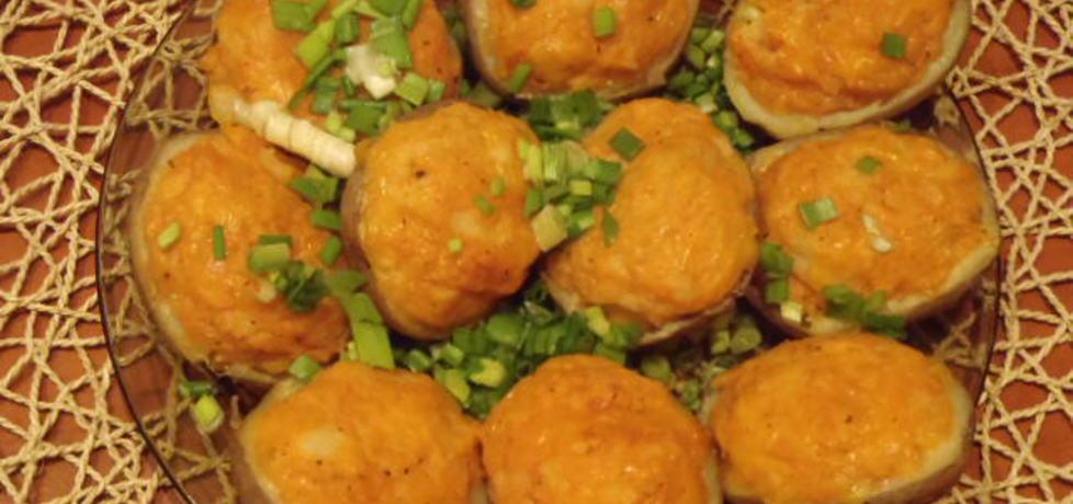 Ziemniaki gotowane w koszulkach zapiekane z serem (autor ...
