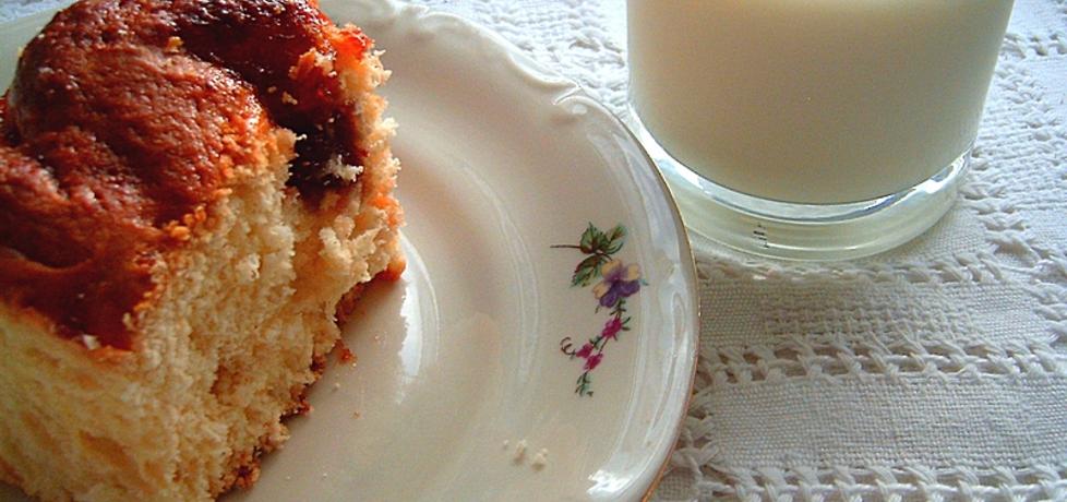 Drożdżówka z dżemem truskawkowym (autor: witaminkaa ...