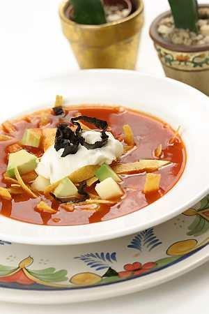 Sopa de tortilla (zupa meksykańska)