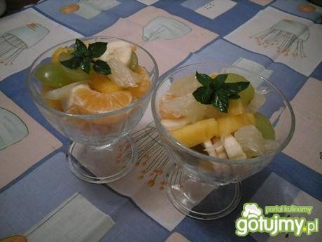 Przepis  egzotyczna sałatka ze świeżych owoców przepis