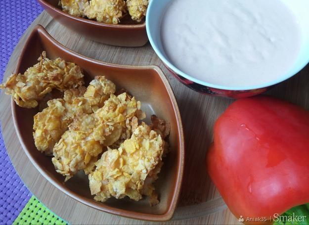 Kąski z kurczaka w płatkach kukurydzianych