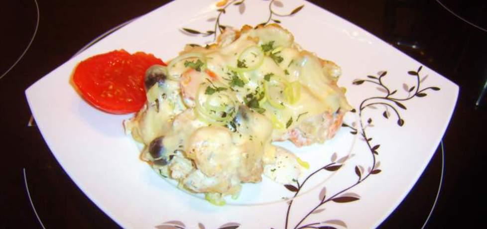 Zapiekanka z kurczakiem i jajkiem (autor: wirkijom)