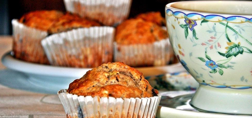 Bananowe muffinki z otrębami, żurawiną i gorzką czekoladą (autor ...