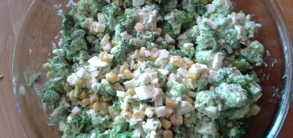 Sałatka z brokułami (autor: paula191919)