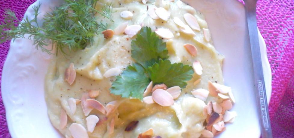 Zupa krem z awokado z prażonymi migdałami (autor: gibli ...