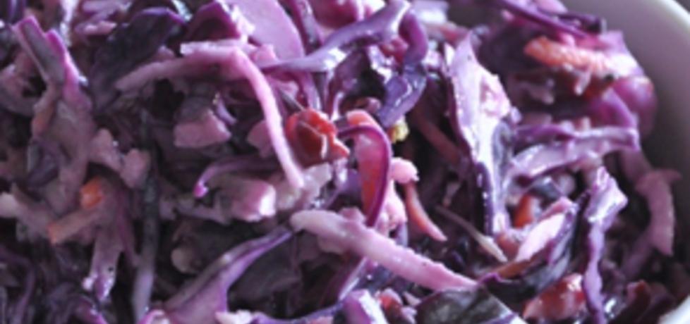 Surówka z czerwonej kapusty z sosem chrzanowo