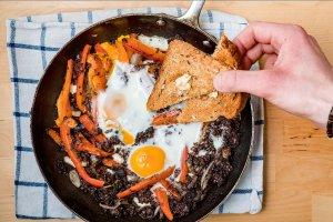 Kaszanka z jajkami  prosty przepis i składniki