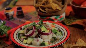 Ceviche, czyli marynowana sałatka z owoców morza