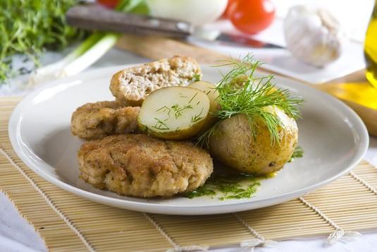 Kotlety mielone z młodymi ziemniakami