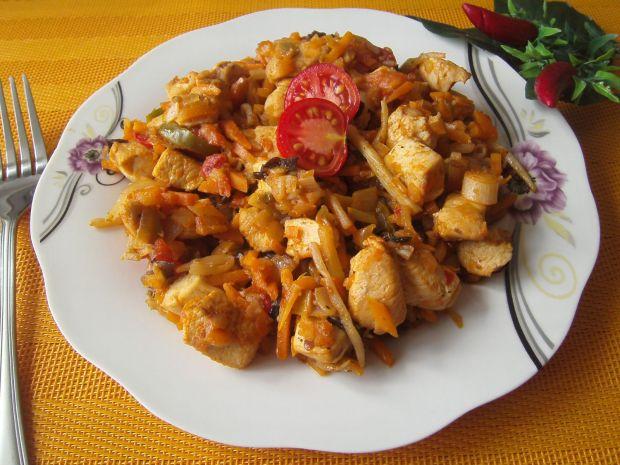 Przepis  kurczak z warzywami w sosie słodko