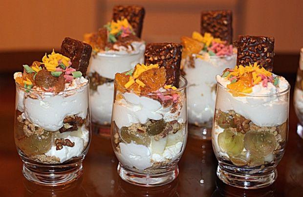 Przepis  deser z pysznymi ciasteczkami przepis