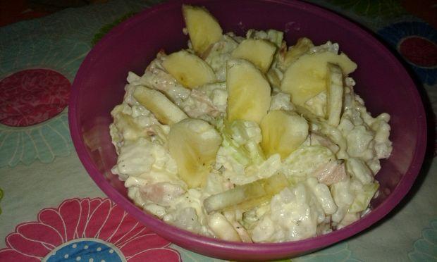 Przepis  sałatka ryżowo – bananowa przepis