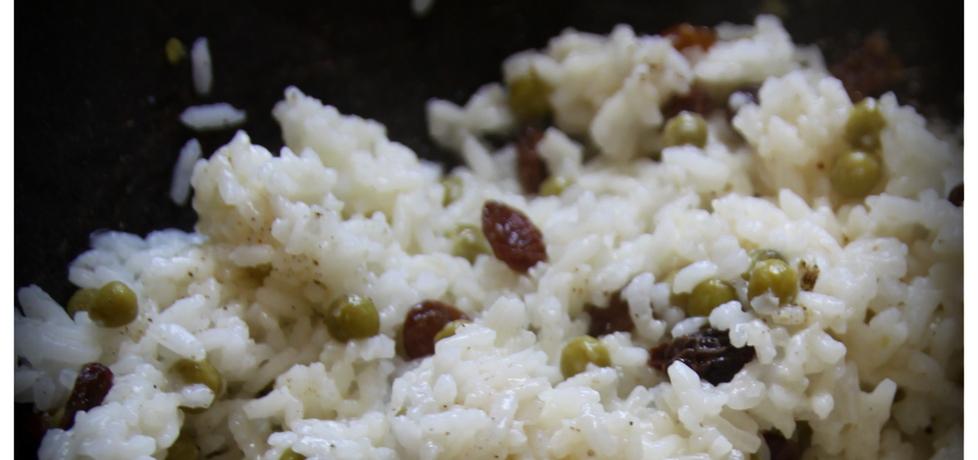 Pikantny ryż do obiadu z rodzynkami i groszkiem (autor: martinezek ...