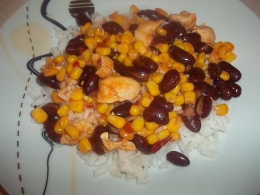 Potrawka z kurczaka z czerwoną fasolą