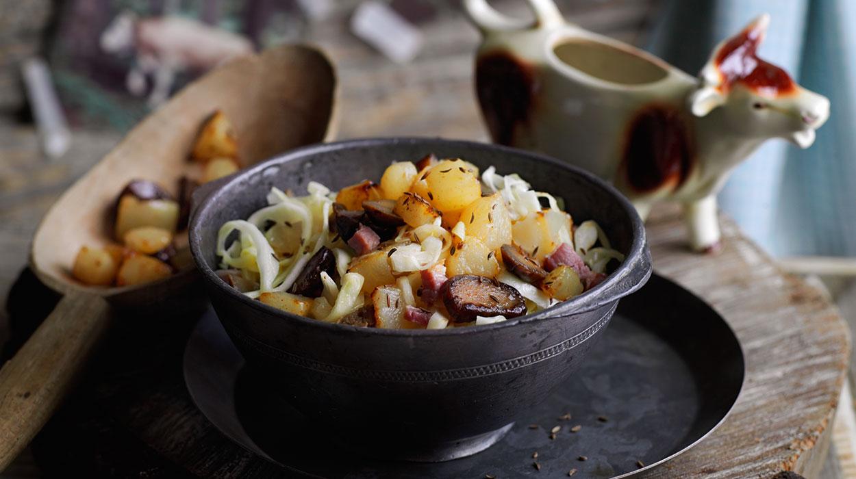Przepis na sałatkę z kapustą, kasztanami i gruszką