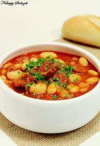 Danie jednogarnkowe – biała fasola z chorizo w pomidorach ...