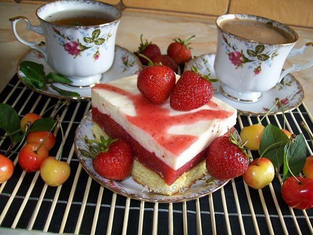 Przepis  ciasto truskawkowo-śmietanowe przepis