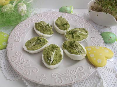 Wielkanocne jajeczka faszerowane sałatą i rzeżuchą ...