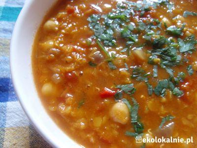 Marokańska zupa z czerwoną soczewicą i ciecierzycą ...