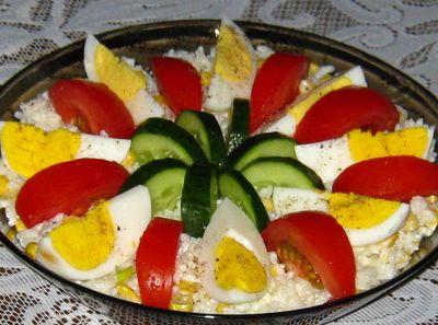 Sałatka ryżowa z jajkiem