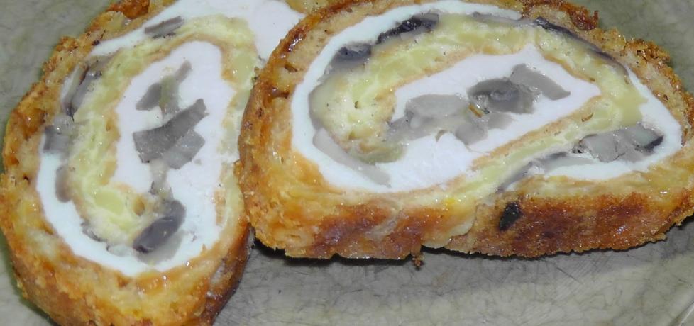 Rolada z piersi kurczaka z serem i pieczarkami (autor: asiczekz ...