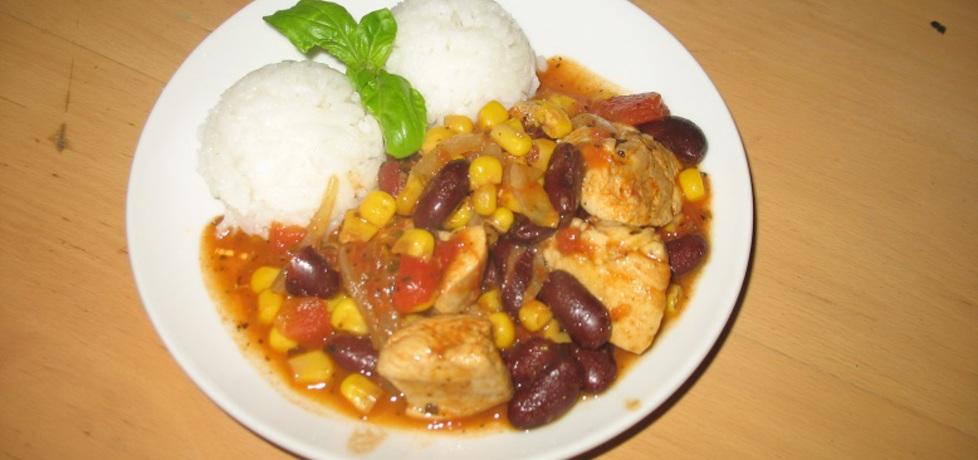 Kurczak w sosie pomidorowym z fasolą i kukurydzą (autor: berys18 ...