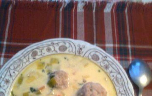 Przepis  kremowa zupa z porów z pulpecikami przepis