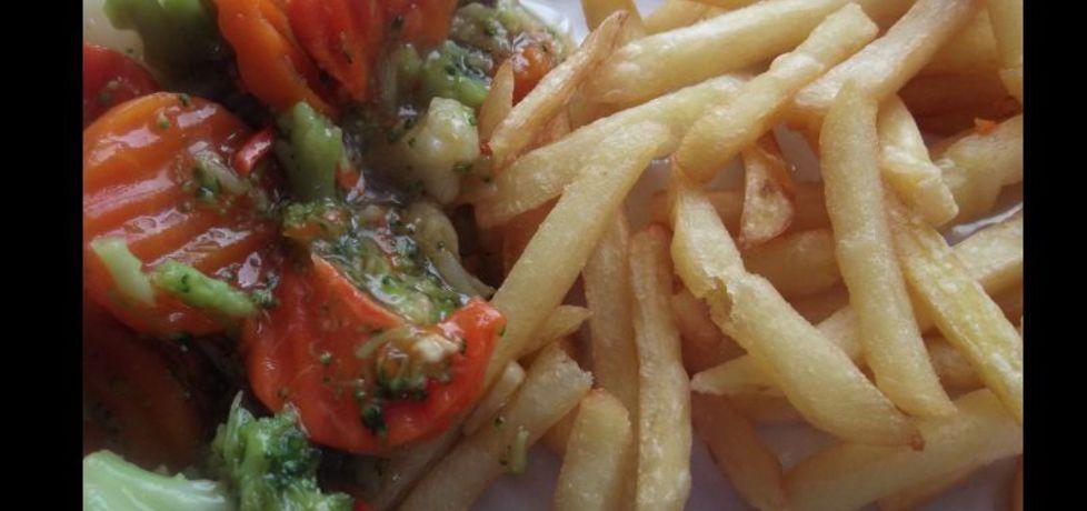 Warzywa z frytkami (autor: olkaaa)