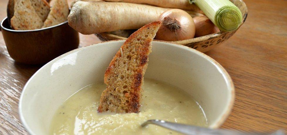 Zupa-krem z białych warzyw (autor: zolzica)