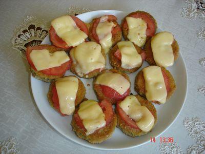 Placuszki z cukinii z pomidorem i serem