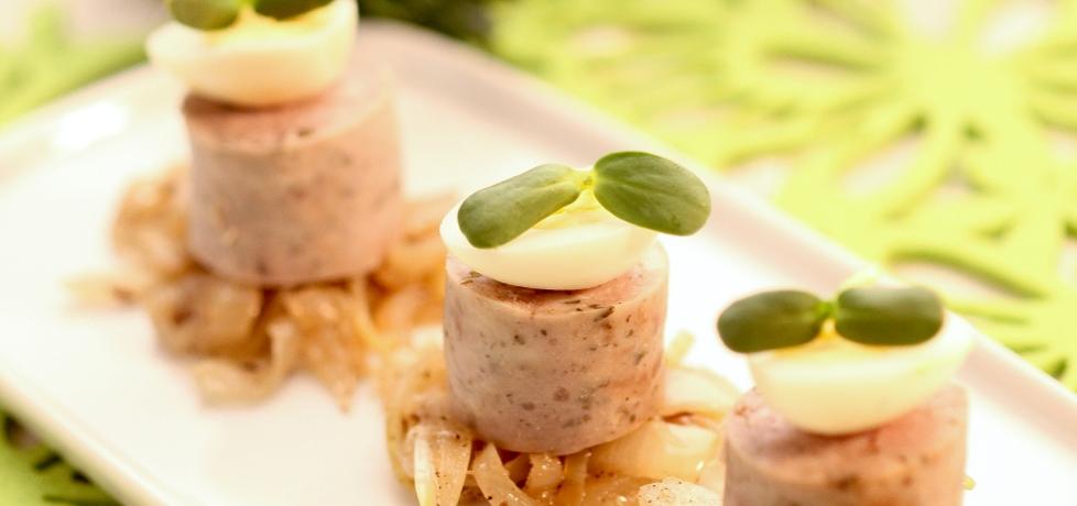Wielkanoc: biała kiełbasa z cebulą i kminkiem (autor: doradca ...