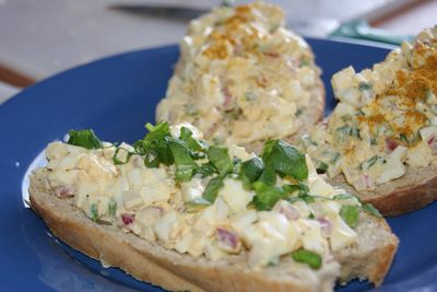 Pasta jajeczna ze szczypiorkiem i rzodkiewką