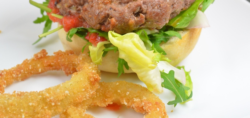 Hamburger z dziczyzny (autor: justynkag)