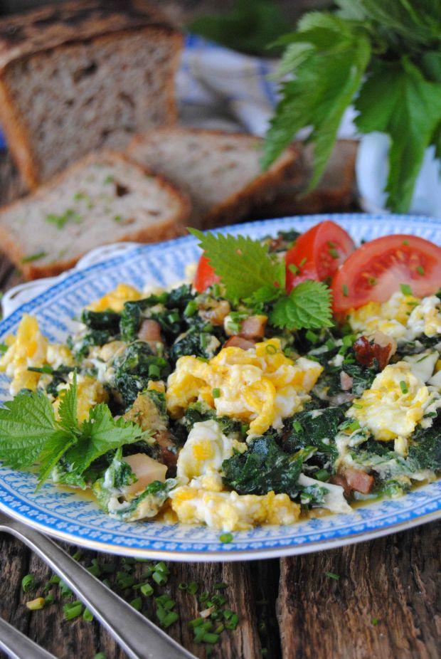 Przepis  jajecznica z pokrzywą przepis
