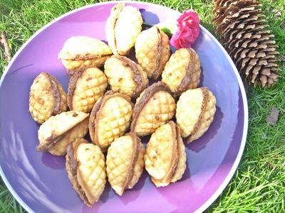Ciasteczka szyszki z kakaowym kremem