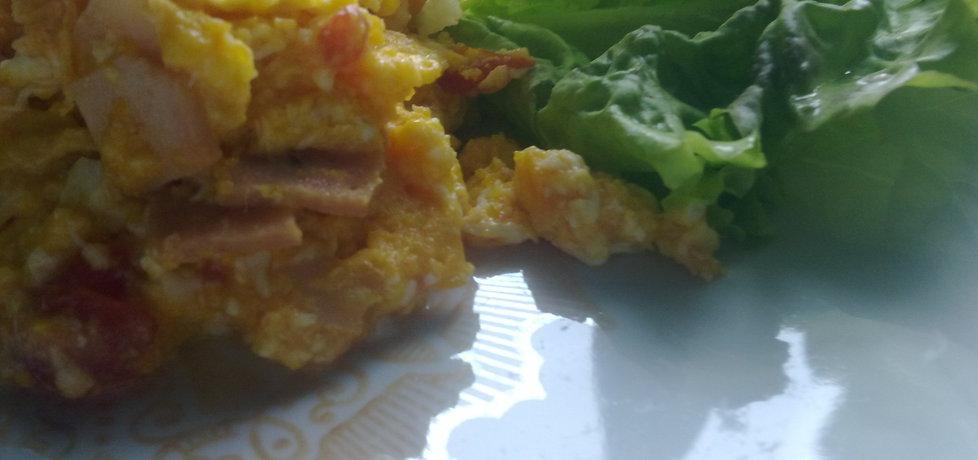 Jajecznica na pomidorkach i szynce (autor: wulkanxd ...