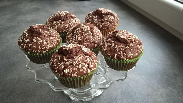 Przepis  czekoladowe muffinki z posypką przepis