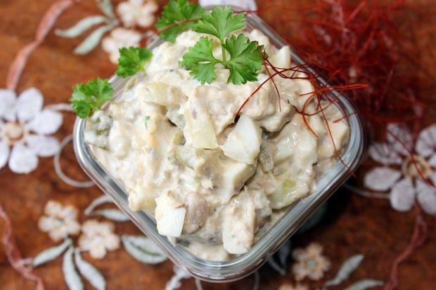 Przepis  sałatka z makrelą w oleju przepis