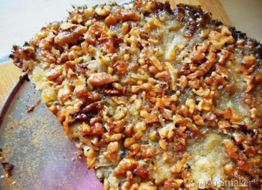 Jesienne ciasto z jabłkami, orzechami i miodem