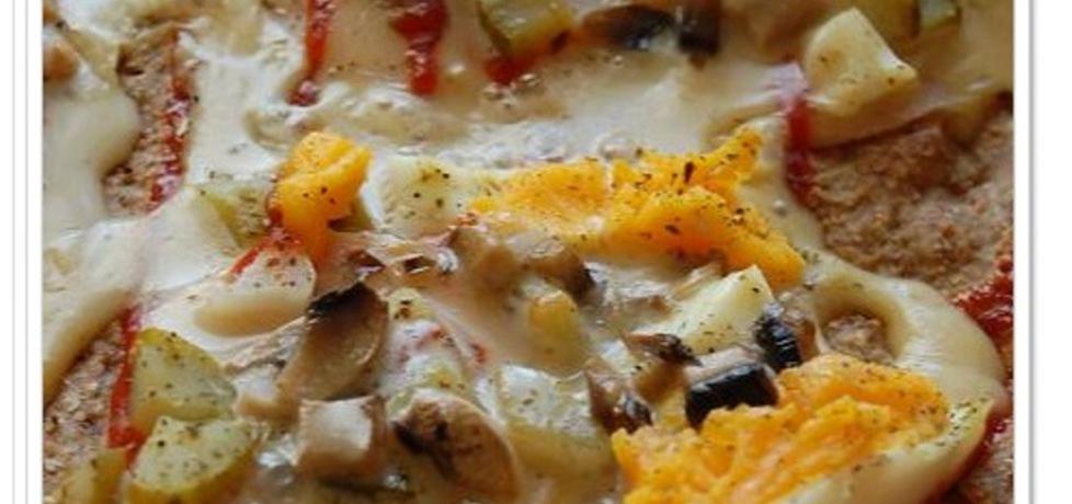 Pizza otrębowa z patelni z szynką i jajkiem (autor: aleksandraolcia ...