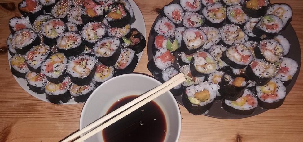 Sushi z owocami morza (autor: mysza620)