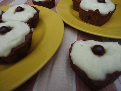 Kakaowe babeczki z kremem śmietankowym