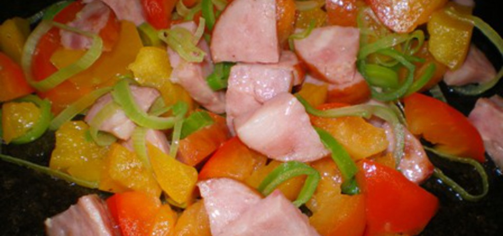 Potrawka z kiełbasy, papryki i pory (autor: ilka86)