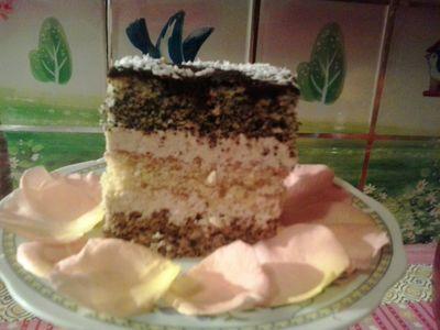 Luksusowe ciasto z masą orzechową
