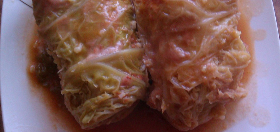 Gołąbki z kapusty włoskiej duszone w sosie pomidorowym (autor ...