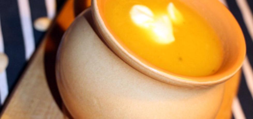 Zupa dyniowa z serem pleśniowym (autor: aisoglam ...