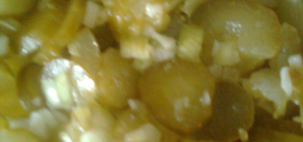 Sałatka z kiszonych ogórków (autor: emilia22)